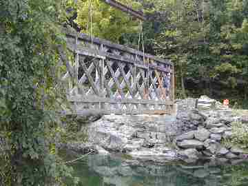 Comstock Bridge. Photo by Joe Nelson, August 26, 2003