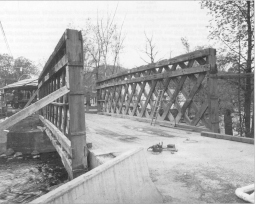 Last moments of the Fuller Bridge, Montgomery, Vt., May 15, 2000. Photo from Covered Bridge Topics