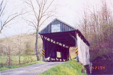 Scott Bridge PA-30-28. Photo by Lisette Keating, 4/27/04