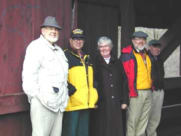Staying dry in Moseley Bridge - J. Nelson, R. Moore, R. Nelson, W. McKone, J. Weaver: Photo by Joe Nelson, Nov. 00