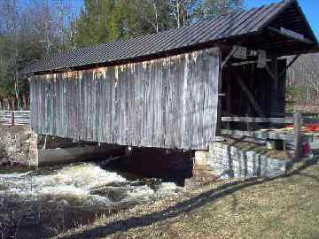 Salisbury Center Bridge [NY-22-01] Photo by Dick Wilson, April 16, 2004