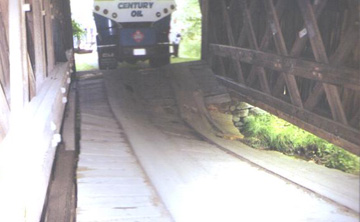 Lower Shavertown Bridge photo by Phil Pierce, August 13, 2001
