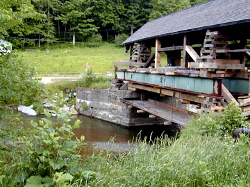 Warren's Lincoln Gap Bridge raised for repairs. Photo by Joe Nelson, July 5, 2000
