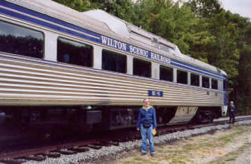 Wilton Railroad. Photo by Liz Keating, September 25, 2005